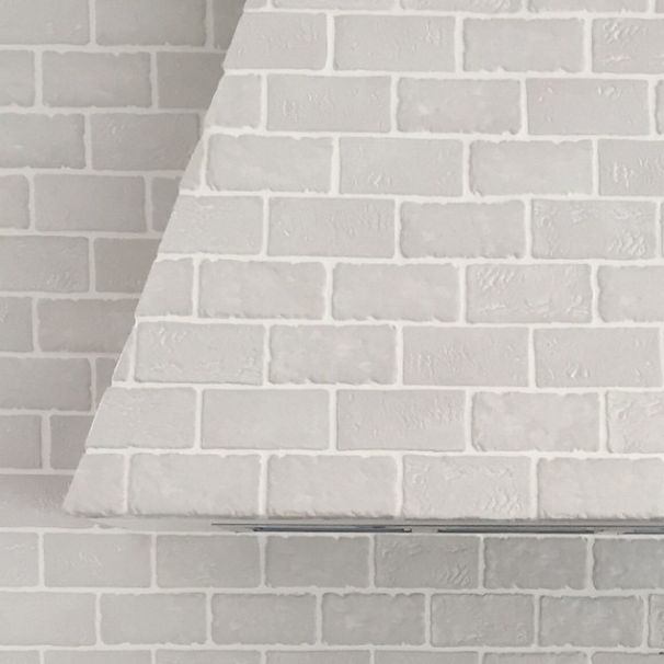 Residential Home - feature wall and rangehood in Muro Vecchio Bianco