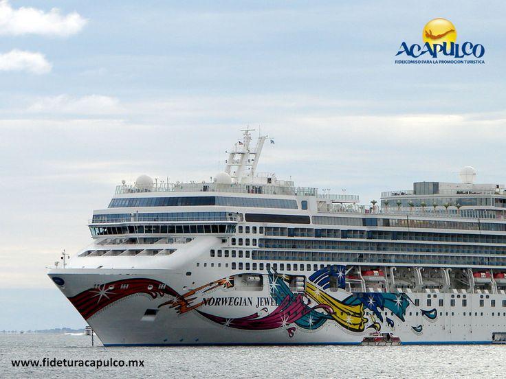 https://flic.kr/p/Q71QLU | Arribo del quinto crucero de la temporada en Acapulco. INFO ACAPULCO 3 | #infoacapulco Arribo del quinto crucero de la temporada en Acapulco. INFO ACAPULCO. Hace unos días arribó al puerto fiscal de Acapulco, el quinto crucero de la temporada, proveniente de Cabo San Lucas. Éste pertenece a la compañía Norwegian Jewel y en el viajan más de dos mil personas que disfrutaron del puerto, antes de zarpar hacia Guatemala. Obtén más información, visitando la página…