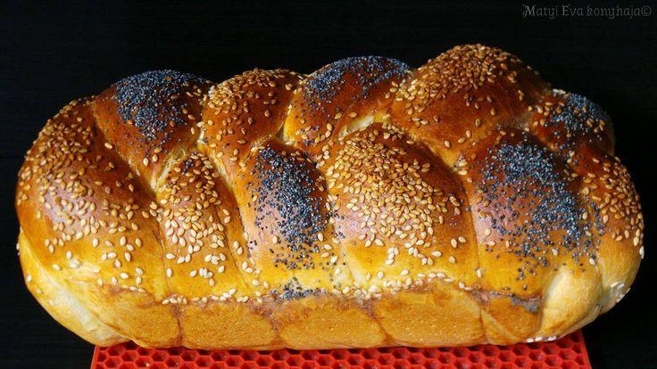 A shabbati (a shabbat pentek este kezdodik es tart szombat estig) asztalon minden zsido csaladban jelen van a chalah (barhesz), attol fugget...