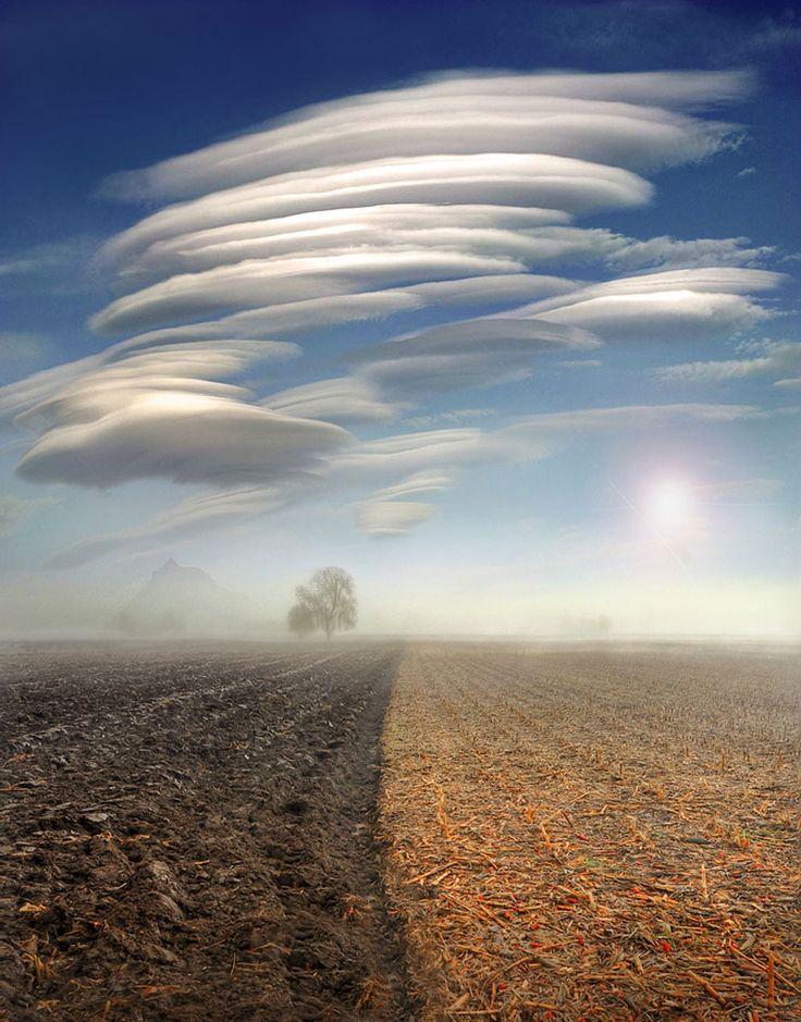 The stunning meteorological phenomena of lenticular clouds (Altocumulus lenticularis) is a rare spectacle.