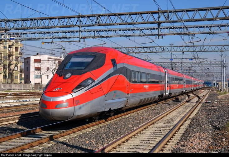 RailPictures.Net Photo: 09 Trenitalia FrecciaRossa 1000 at Padova, Italy by Beppe