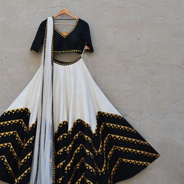 Do you love this Lehenga for a bridesmaid?  Catch up with more Lehenga options…