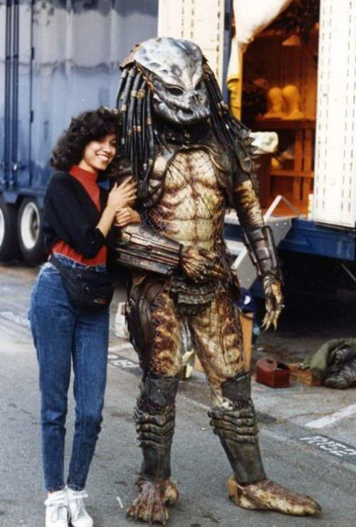 mykillyvalentine:On the set of Predator 2 (1990).
