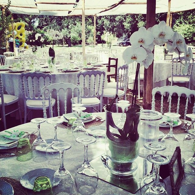 Outdoor table setting for a wedding lunch. zia_cathys's photo on Instagram