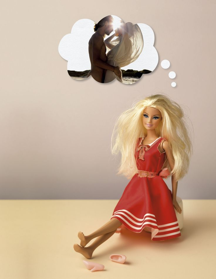 Human interest in JAN Magazine Photography by Frank Brandwijk | 'Barbie' 'Day Dreaming' 'Holiday on the Beach Love' 'Photo Illustration' 'Fun'