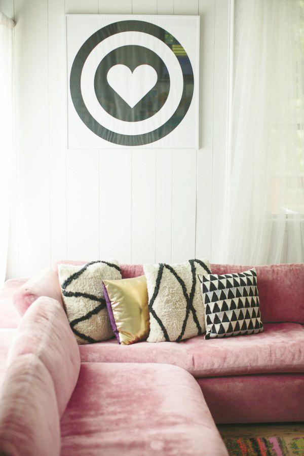 Sofá cor de rosa - o rosa quartz na decoração: