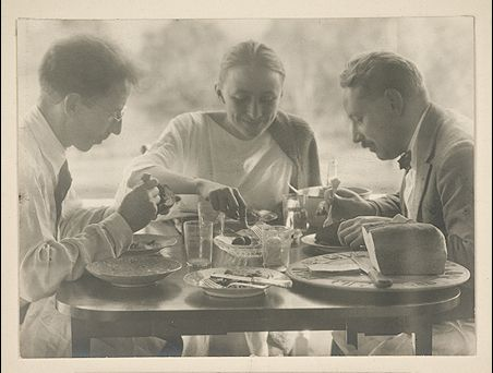 Alfred Stieglitz, Luncheon at Lake George, 1920, Vassar, Gift of Edna Bryner Schwab (photo of Georgia O'Keeffe et al)