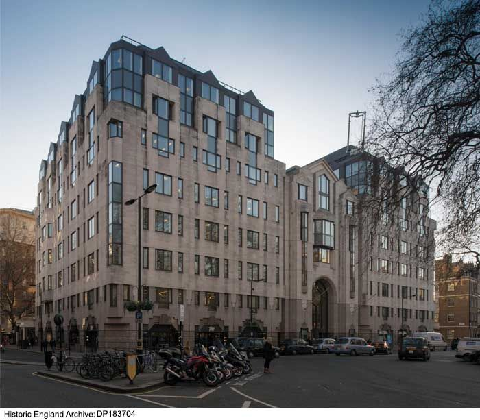 Dp183704 Lansdowne House Berkeley Square Mayfair Westminster Greater London Photographer Ch Post Modern Architecture Greater London England