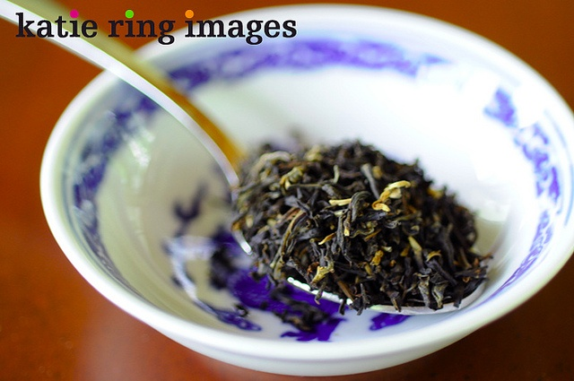 Review: Rishi Tea Organic Golden Yunnan. Picture by Katie Ring, via Flickr