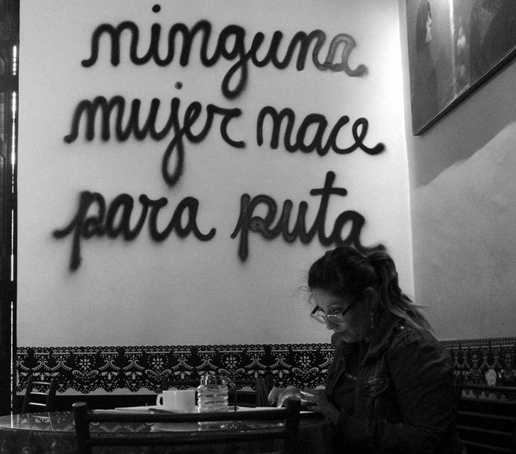 En los años noventa nace en Bolivia Mujeres Creando, un movimiento que actúa desde la creatividad como un espacio de lucha contra un si...