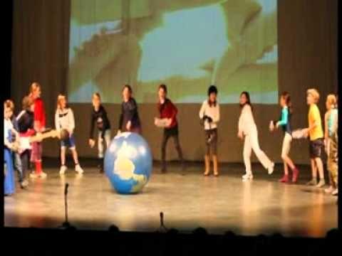 """Schoolfeest """"Samen Sterk"""" De wereld is een toverbal"""