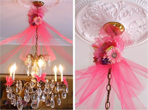 tulle instead of streamers= great idea
