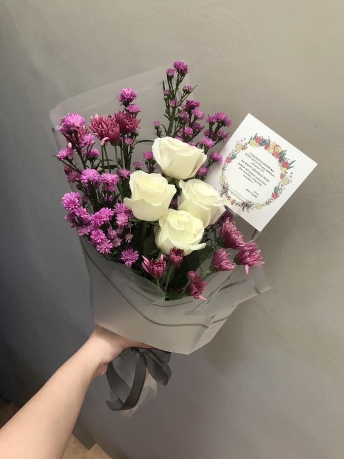 Tips Beli Buket Bunga Berkualitas Untuk Pasangan Di Bandung In 2021 Flowers Bouquet Flower Truck Flowers