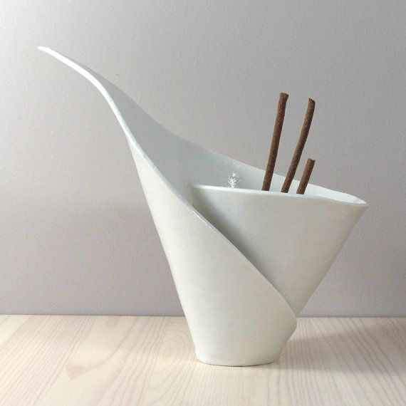 White porcelain spiral lilly incense burner / votive, handmade for vanilla pods incense tealights candles BELLISSIMOOOOOO
