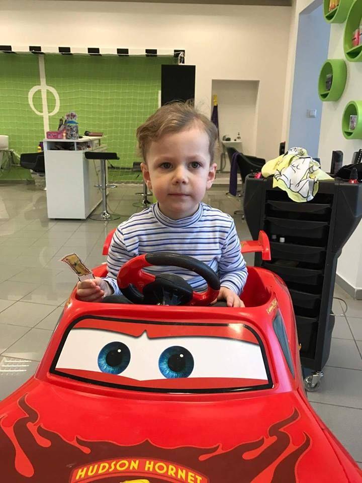 V detskom kaderníctve striháme tie najlepšie účesy na počkanie #detskekadernictvo #kadernictvo #newhair #haircut #kid #children #cute #boy #car #hairdresser