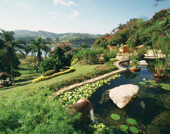 Navegue por fotos de Jardins rústicos: A água retorna. Veja fotos com as melhores ideias e inspirações para criar uma casa perfeita.