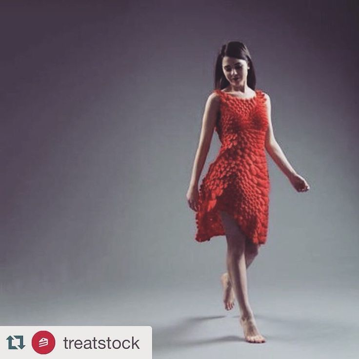 #Repost @treatstock  Inspired by natural elements such as petals feathers and scales the designers from Nervous System have created a new Kinematic 3D printed dress that is made up of small overlapping shell-like structures. The dress is made to fit perfectly every time by digitally capturing the wearers figure and can even be customized to alter the length shape and even its directional flow.  #treatstock #treatstockcom #3dprinting #3dprinted #3dprint #3ddesign #design #model #3dp #3dmodel…