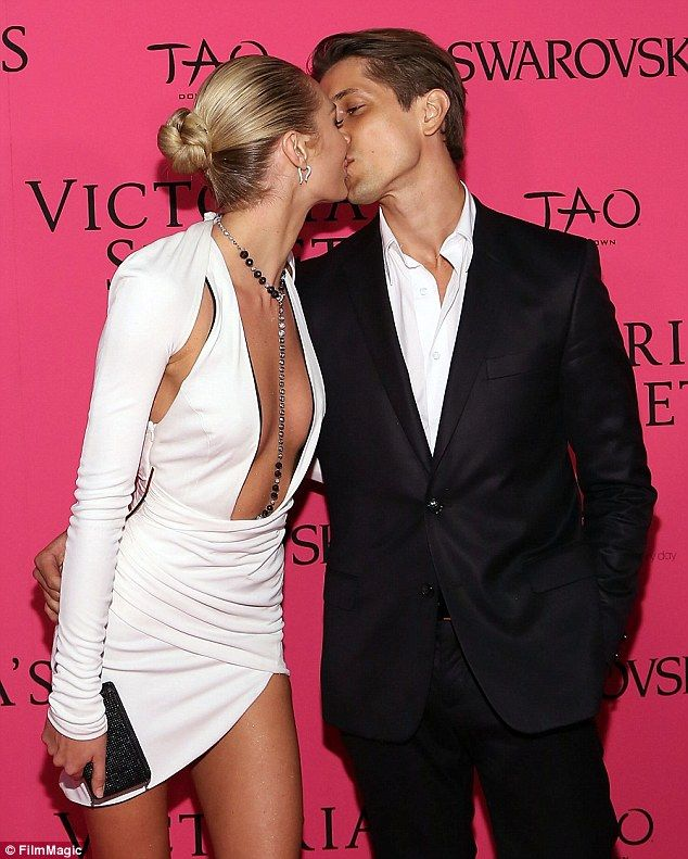 I can't even begin to imagine how kick ass the VS Fashion Show after parties must be!!!!!!!!!!