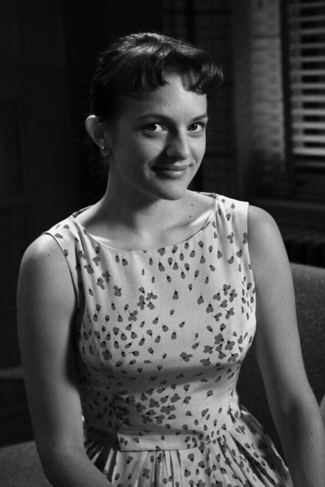 <3 Elisabeth Moss / Peggy Olson. Can't love her enough