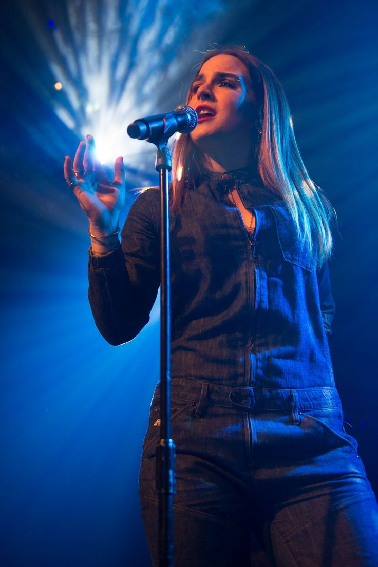 Joanna JoJo Levesque Performing at O2 Islington Academy in London, March 2016