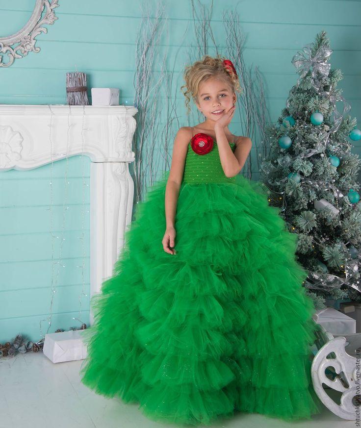 Oh, it's adorable! | Купить Шикарное зеленое платье с воланами - ярко-зелёный, зеленый, ель, елка, рождество, роза