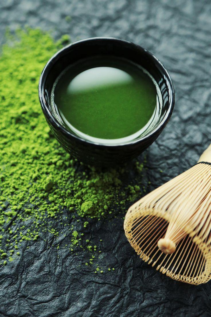 Der Grüne Tee macht nicht nur schlank, sondern auch schön und gesund! Erfahren Sie alles zum Matcha - von der Zubereitung bis zu den Inhaltsstoffen.