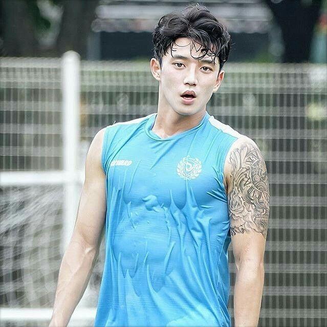 Jeong Seung Won En 2020 Hombres Coreanos Hombres Famosos