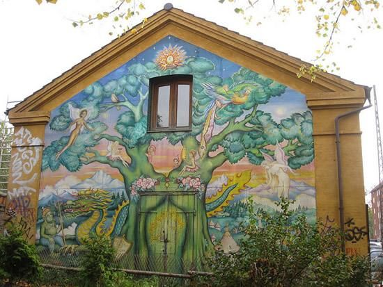 Christiania – Denmark's Ultimate Freetown - The Freetown of Christiania is a self-governing neighborhood in Copenhagen, Denmark's capital city, where the people actually live freely. Chritiania was created in 1971, and consists of the old Bådsmandsstræde Barracks and parts of the …