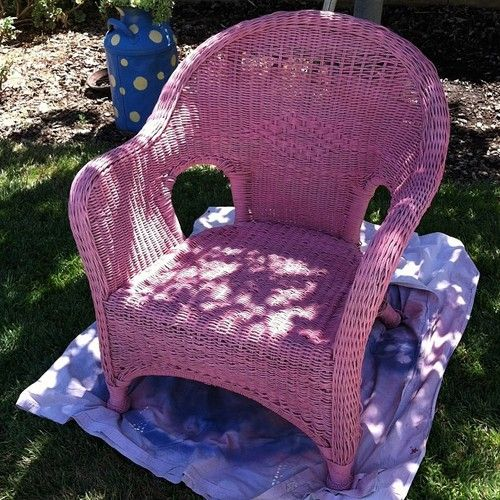 pretty in Pink! #wicker #painted #chair - @uvasina