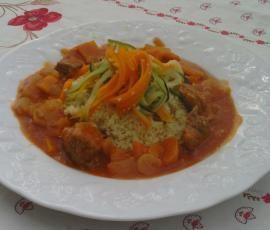 Recette Sauté de porc sauce tomate et sa julienne de légumes par Marie Peyrin - recette de la catégorie Viandes