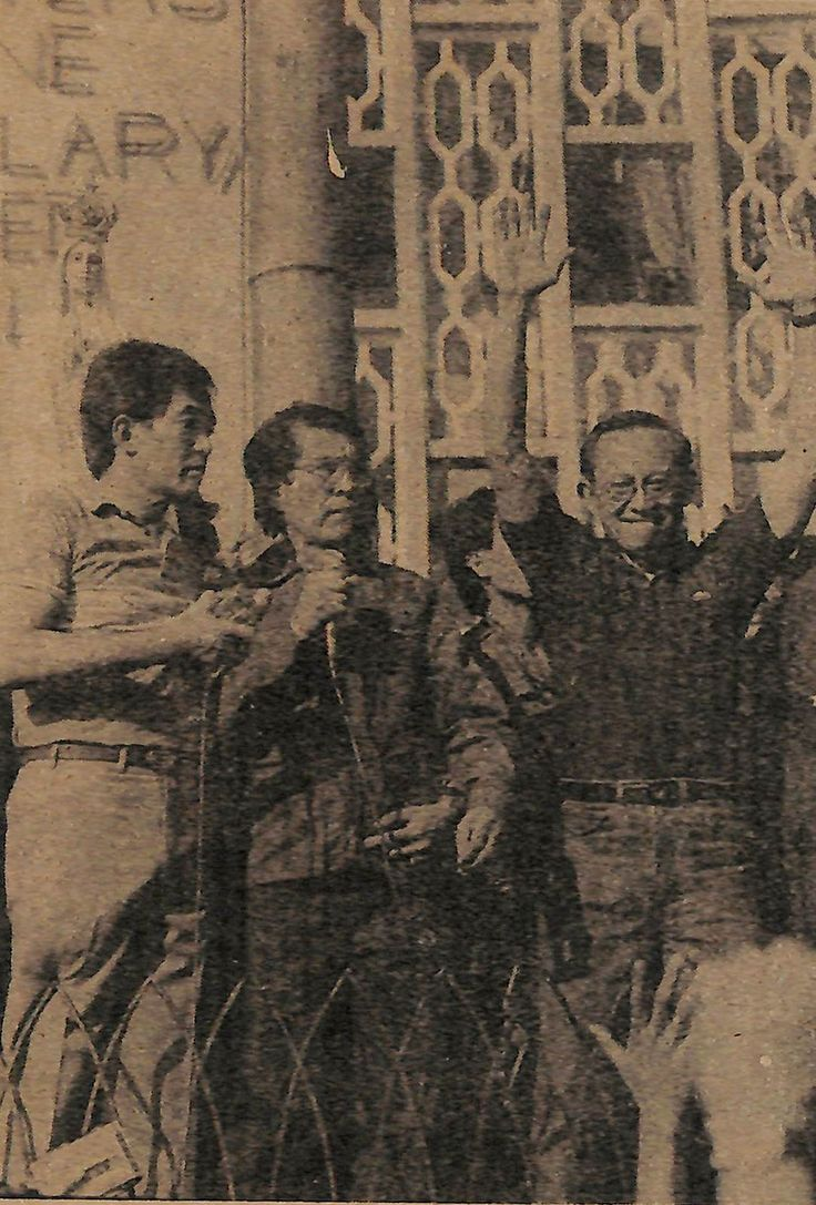 https://flic.kr/p/Dq2vqp | The Armed Forces of the Philippines: Mainstay of Marcos' One-Man Rule | [Defense Minister] Enrile and [General] Ramos at Camp Crame: The new Armed Forces of the People  Veritas, February 25, 1986  (From the newspaper collection of Mr. Jose Antonio Custodio)