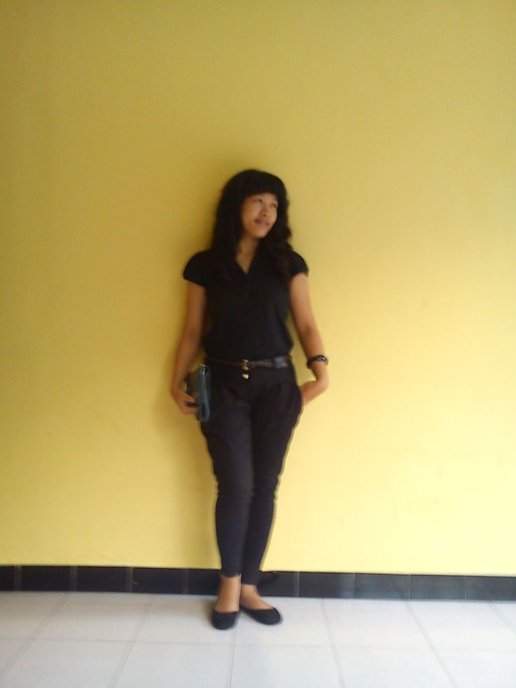 women in black..sweet casual fashion style