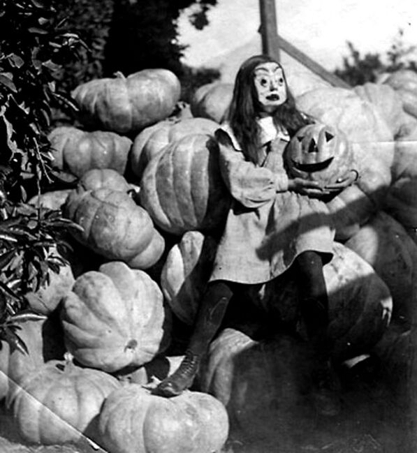 Ikusi batusi: Terroríficos disfraces antiguos de Halloween