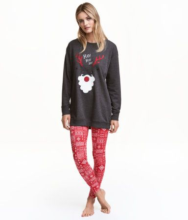 Red/reindeer. Pajama set in a soft cotton blend. Longer top in sweatshirt fabric with long sleeves, printed motif at front, and ribbing at cuffs and hem.