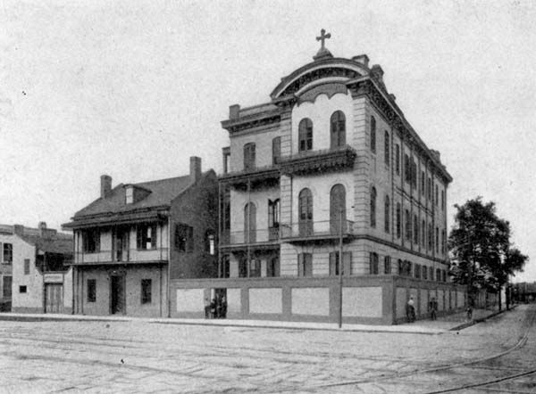 St. Aloysius College at 1105 Esplanade Avenue - 1903 From the booklet New Orleans, Louisiana, The Crescent City