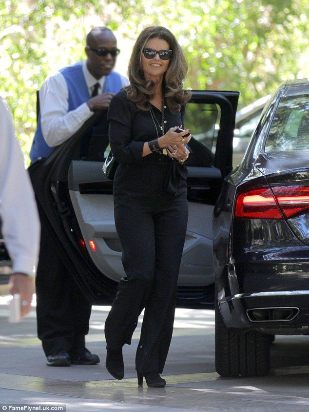 Showing her how its done: Classy Maria Shriver avoided a Kris Jenner-esque circus by havin...