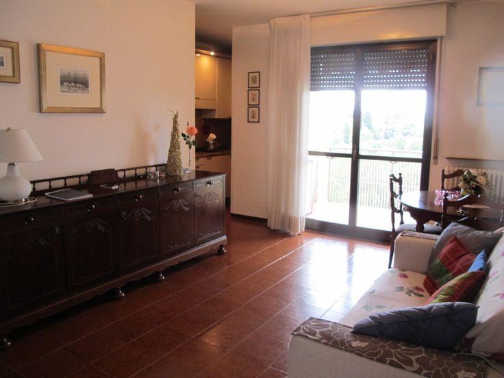 UDINE VIA DE RUBEIS appartamento bicamere molto ben tenuto, condominio signorile, piano alto e luminoso, praticamente autonomo...€95000 CLASSE ENERGETICA IN DEFINIZIONE L'immobile è ubicato al sesto piano con ascensore.Le spese condominiali relative all'appartamento ammontano a 600 euro annuali.Si estende per 85 mq e rimane arredato di sola cucina ed è dotato di riscaldamento centralizzato con contaore.tel.3478333729