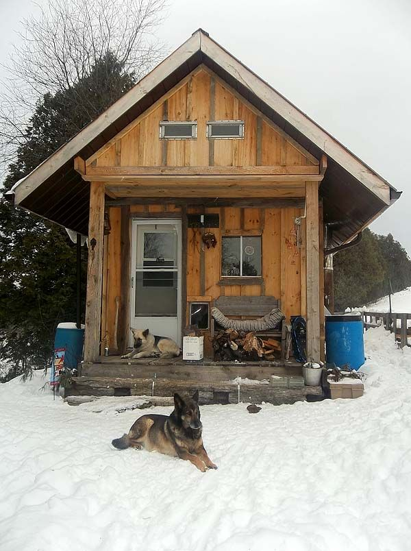 27 best images about bunkies on pinterest the cottage for Log barn homes