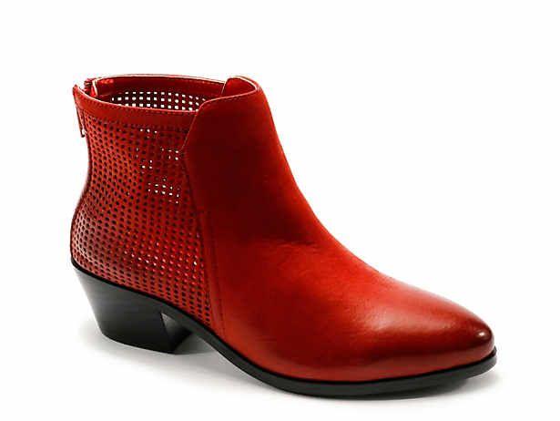 Women S Low Heel 1 2 Ankle Narrow Boots Size 9 Dsw Boots Womens Low Heels Narrow Shoes