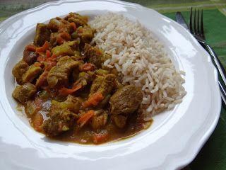 Szybkie gotowanie: Wieprzowina w sosie curry z warzywami
