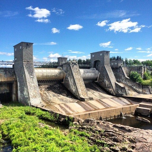 Imatra in Finland -- плотина + замок (отель)