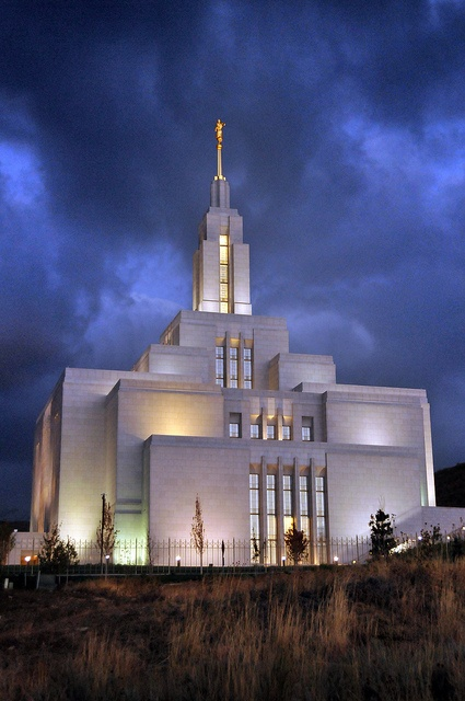 """""""[T]he temple is our goal...stay focused. Don't lose sight of your goals. Don't let the thick fog of moral pollution and the detracting voices of the world keep you from reaching [them]...living the standards, enjoying the companionship of the Holy Ghost, and being worthy to enter holy temple. Retain the vision of the Savior's holy house—ever in your hearts and minds."""" –Elaine S. Dalton  {Draper Utah LDS Temple by houstonryan, via Flickr}"""