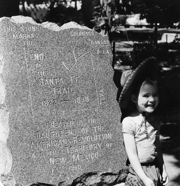 End of the Santa Fe Trail marker on the Santa Fe Plaza, 1942. Palace of the Governors Photo Archives HP.2007.20.404.