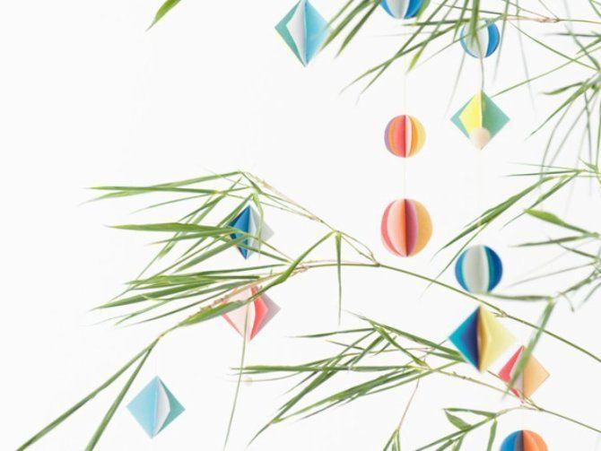 もうすぐ七夕ですね〜!!七夕といったら笹の葉に飾りつけが定番。短冊や折り紙で作る天の川が人気ですが、今年は一風変わったこんな飾りはいかがですか?