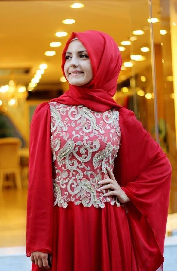 Pınar Şems - Yarasa Kollu Abiye Kırmızı