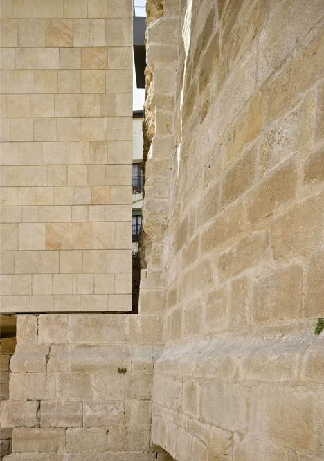 Wall detail for rehabilitation of the city walls at Logroño (2010) by Pesquera Ulargui Arquitectos.