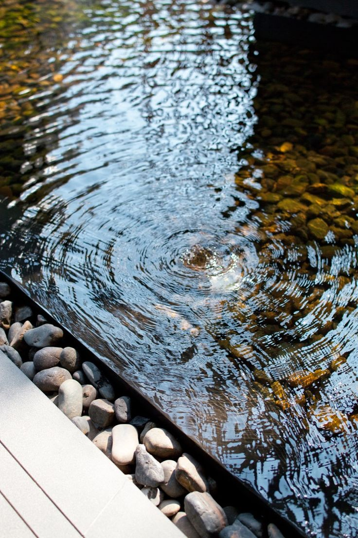 Water edge detail