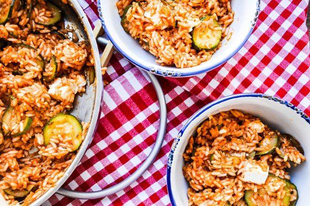 Klingt einfach & lecker: Zucchini-Reis-Pfanne