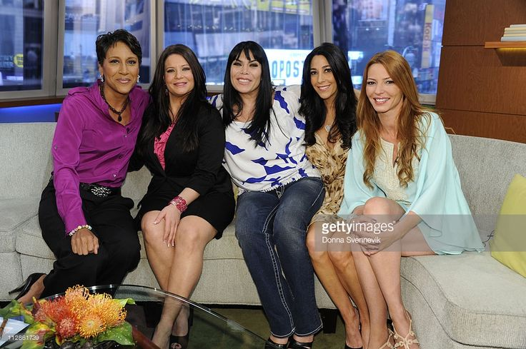 Robin Roberts chats with the cast of 'Mob Wives,' Karen Gravano, Rene Graziano, Carla Facciolo and Drita Davanzo on 'Good Morning America,' 4/20/11, airing on the ABC Television Network. (Photo by Donna Svennevik/ABC via Getty Images) ROBIN ROBERTS, KAREN GRAVANO, RENE GRAZIANO, CARLA FACCIOLO, DRITA DAVANZO