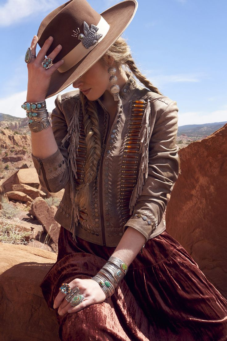 Hairpipe and fringe - what's not to love?! Fabricated in soft leather and gently distressed for that lived-in look, Double D Ranch's Ironwood Jacket is the collector jacket of the season. • fitted jac